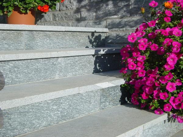 Vorschau - Treppenanlage - Foto von GIGLERERDBAUSTEINB