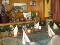 Festliche Tafel für Familienfeiern