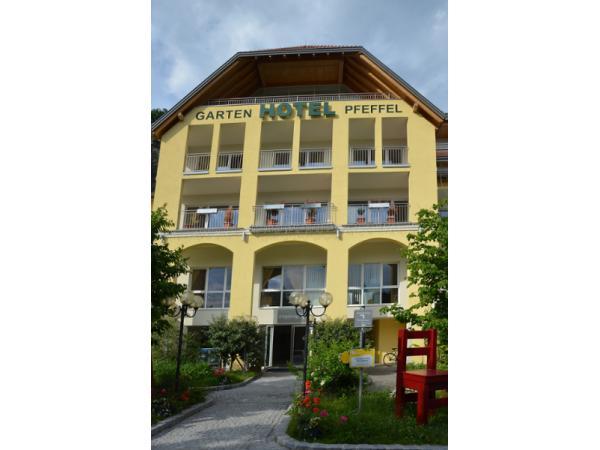 Vorschau - Foto 1 von Gartenhotel & Weingut Pfeffel
