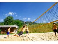 Hauseigener Beachvolleyballplatz