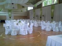 Hochzeit in Mehrzweckhalle