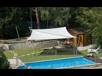 Sonnensegel der Firma Fenster & Sonnenschutz in Salzburg