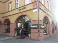 Sagmeister Modehaus