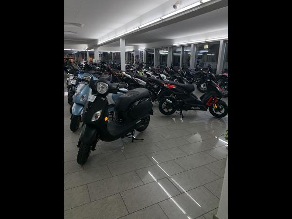 Vorschau - Moped/Motorradabteilung