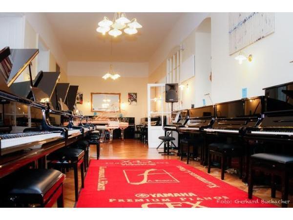 Vorschau - Klavierhaus Förstl - grosser Schauraum für Pianos und Flügel