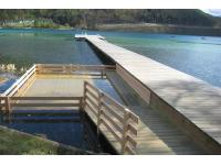 Holc-Naturpool integriert in einem See