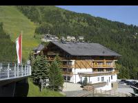 Das Alpenhaus Katschberg.1640 im Sommer - direkt im Wandergebiet