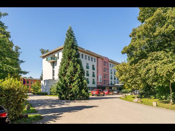 Tagungshaus und Hotel