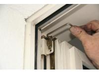Wartungsarbeiten an Fenstern und Türen aller Art
