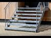 Verzinkte Treppe mit Geländer