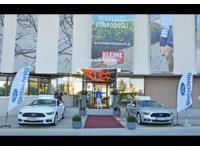 Mustangparade beim Seepark Hotel in Klagenfurt