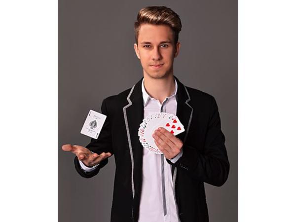 Magic Dominik
