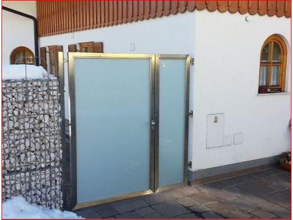 Türen und Tore aus Edelstahl