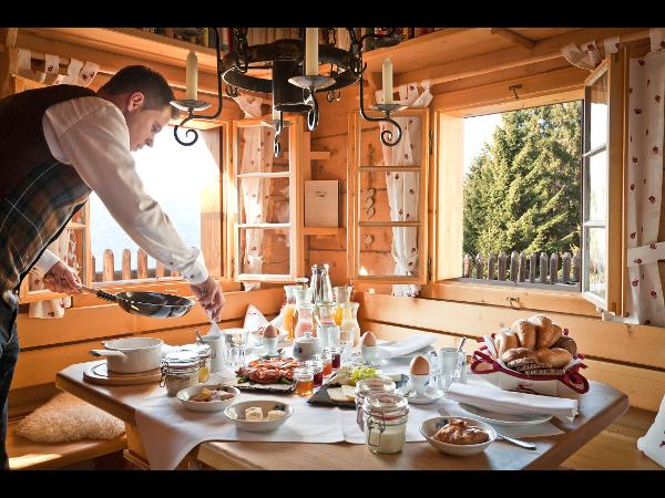 Frühstück auf der Hütte