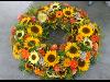 Thumbnail - sommerlicher Blütenkranz mit Sonnenblumen, Zinnien und Gräsern