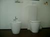 Bidet und WC-Anlage