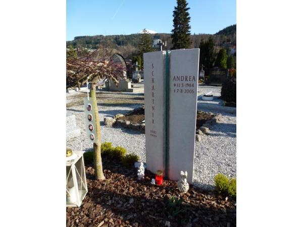 Grabmal aus französischem Marmor