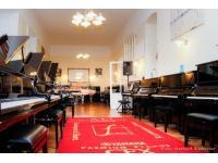 Klavierhaus Förstl - grosser Schauraum für Pianos und Flügel