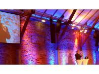 Ambientelicht mieten, Gala Beschallung, Videoscreens mieten, Leinwand und Beamer mieten, Bühnenpodest und Podium mieten