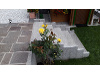 Thumbnail Granit Blockstufen in Kombination mit Porphyr Plasterplatten und weißem Zierkies