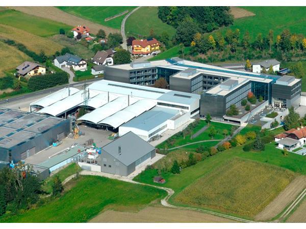 Peneder Basis, Firmensitz Atzbach (OÖ)