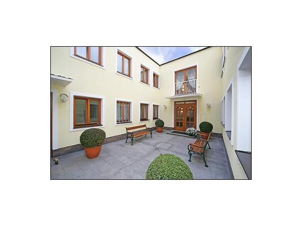 Vorschau - Fleger Appartements Innenhof