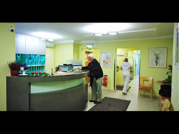 Wartebereich Röntgen 1 und CT / Rezeption 1