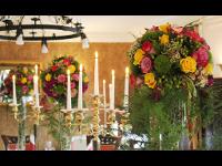 festlicher Blumenschmuck für Feiern aller Art