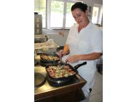 Wir bieten frisch gekochtes und gesundes Essen!