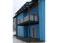 Balkonzubau mit Überdachung