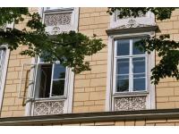 Instandsetzungsarbeiten an Holzkastenfenstern