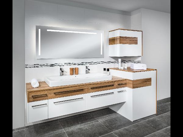 Badezimmermöbel mit wäschekippe frisch badmöbel weiss stehend