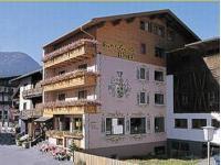 Hotel Manfred im Sommer