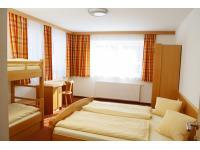 Typisches Vierbettzimmer