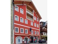 Das wunderschöne Bürgerhaus im Zentrum bietet ausgezeichnete Textilware
