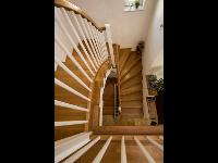 Treppenverkleidung, Stiegengeländer Eichenholz weiss lackiert