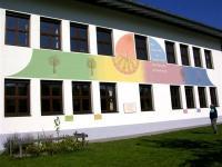 Fassadengestaltung Volksschule in A-6344 Walchsee