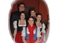 Familie Karlwirt begrüßt Sie recht herzlich!