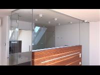 Glasbadezimmer