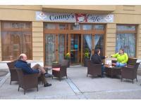 Connys Cafe Garteneröffnung