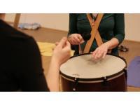 Der Surdo - Trommelbegleitung im TaKeTiNa Prozess