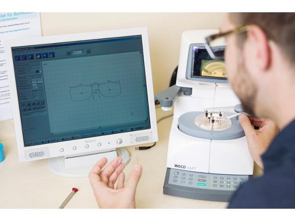 OPTIK ROSSMANN - Präzise Brillenfertigung in der eigenen Werkstatt