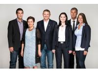 Hofer Josef UNIQA Versicherungsagentur mit KFZ Zulassung