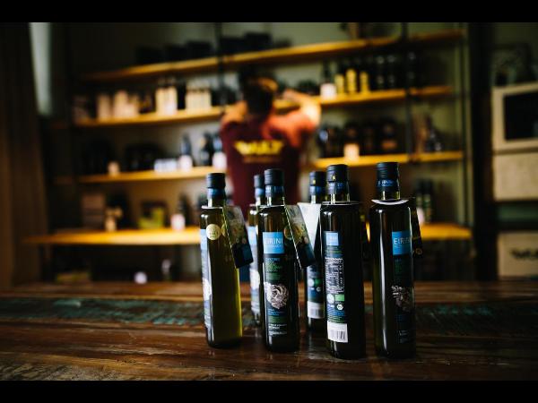 Vorschau - Olivenöl - Eirini Plomariou - Foto von m.wulz
