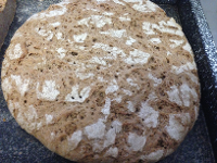 Hausgemachtes Bauernschwarzbrot (sofern Zeit ist backen wir unser Brot selber)
