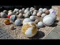 Dekokugeln aus Granit und Glas