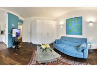 2-Zimmerapartment: Wohnzimmer mit WIFI und Klimaanlage