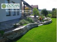 Gartengestaltung: Natursteinmauern & Pflasterungen