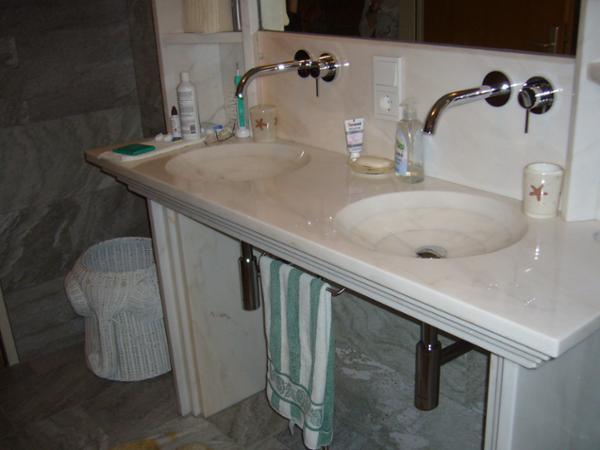 Waschtisch Becken eingeschliffen