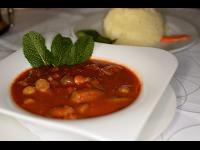 Okra mit Lammfleisch und Basmatireis
